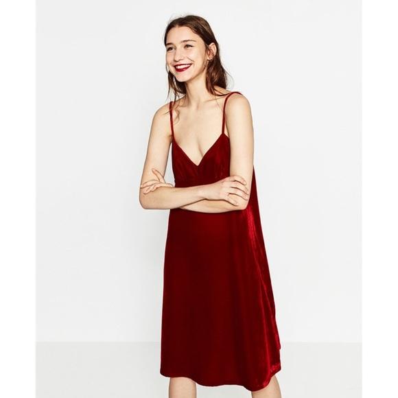 d3d17d22 •Zara• Red Velvet Slip Dress. M_5b63c291f414528f83874062